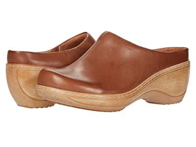 SoftWalk Madison (Saddle Leather) Women