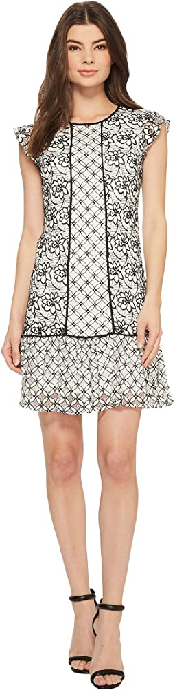 Adrianna Papell - Twin Lace Flutter Sleeve Shift