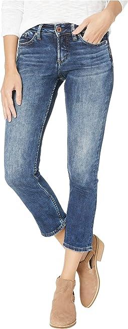 Suki Mid-Rise Curvy Fit Capri Jeans in Indigo L43916SSX325