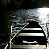RELAXING Boat on a Lake Live Wallpaper