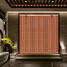 Bamboe rolgordijnen, zonneschermen, raamgordijnen, voorzichtig filteren licht in de kamer, onder naar boven boven naar ben...