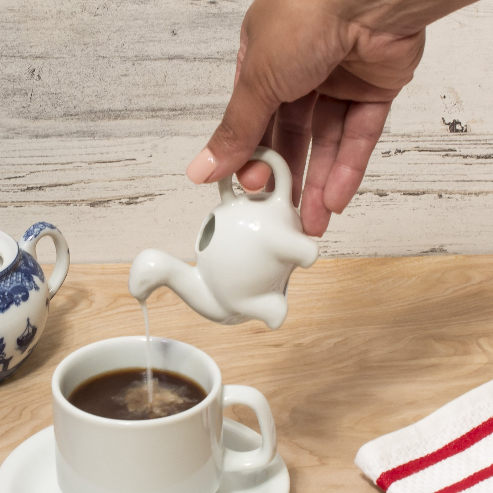 HIC Harold Import Co. Kitchen Mini Dinosaur Creamer with Handle, Fine White Porcelain, 2-Ounce