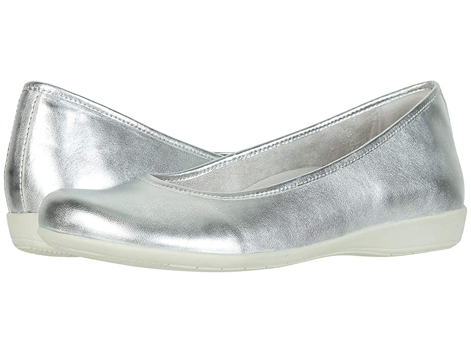 19224289d4dd Earth Astoria (Light Silver Metallic Sheep Nappa) Women s Slip on Shoes