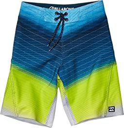 3138551231 Boy's Board Shorts Swimwear + FREE SHIPPING | Clothing | Zappos.com