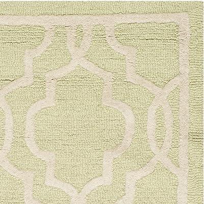 Tapis rectangulaire d'intérieur treillis tufté à la main, collection Cambridge, CAM131, en vert clair / ivoire, 91 X 152 cm pour le salon, la chambre ou tout autre espace intérieur par SAFAVIEH.