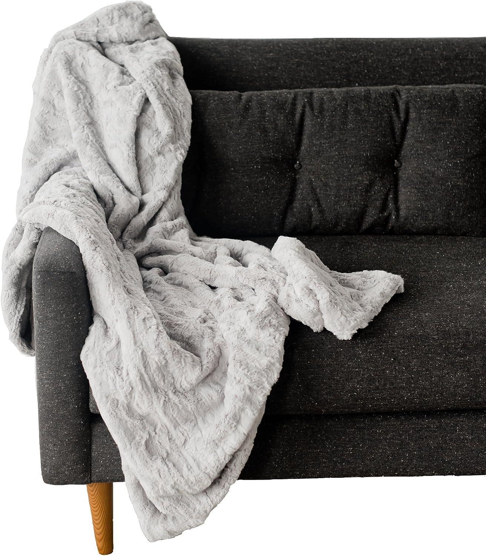 SARANONI Oversized High End Decorative Home Throw Luxury Extra Large Blanket, Modern Wave Design (Dove Grey)