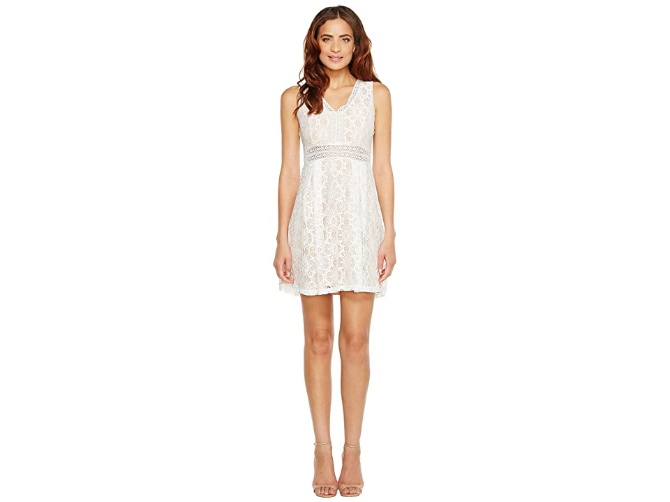 Jessica Simpson Sleeveless V-Neck Lace Dress JS7A9343 (Ivory/Nude) Women