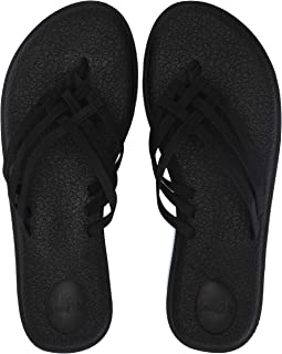 db4d89297c24b Amazon.com  Sanuk Women s Flip Flops