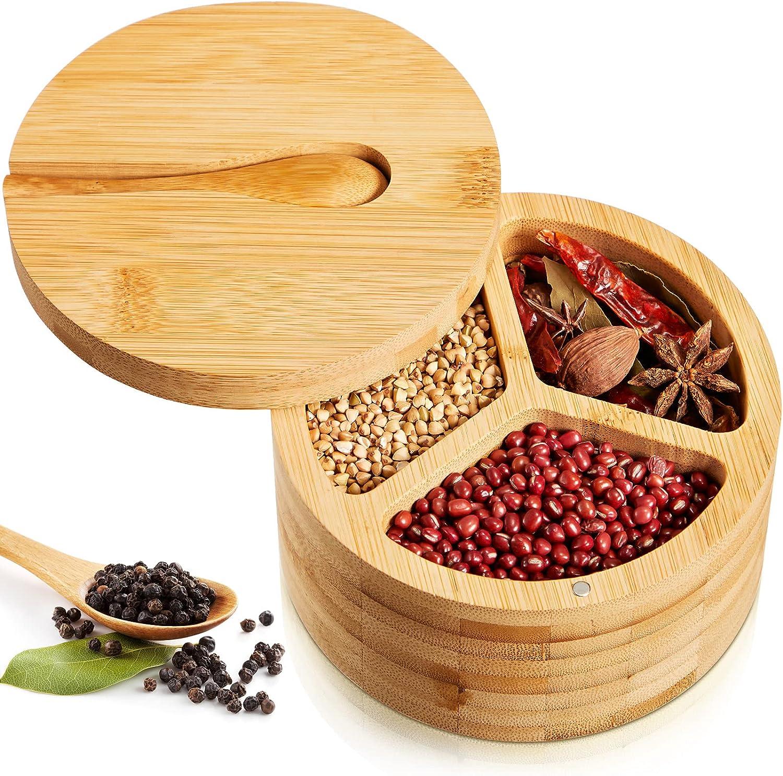 Caja de Sal Bambú con Cuchara Recipiente de Almacenaje de Especia Condimento de 3 Compartimentos con Tapa Magnética Giratoria Tarro de Sal Condimento Redondo Guarda Salero, 5,5 x 3 Pulgadas
