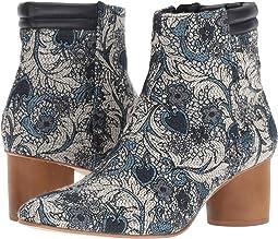 Izzy Boot
