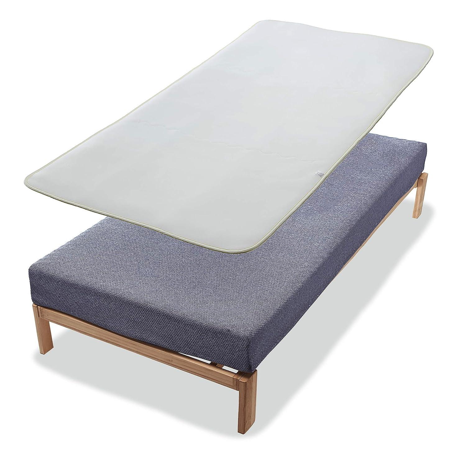 「通販生活の3層メディカルパッド」 厚さはたった1センチ。ヘタってきた古いマットレスにのせるだけで腰が沈まない新品の寝心地に。[本品は病院?介護用で採用されている業務用3層パッドを家庭用サイズにした特注品。1層の類似品にご注意ください]