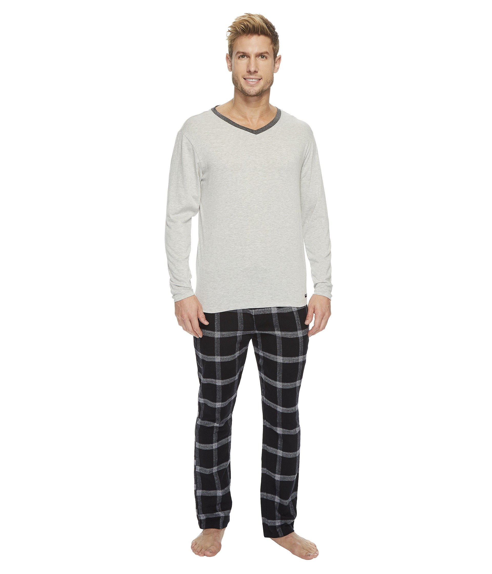 Pijama para Hombre Kenneth Cole Reaction V-Neck and Flannel Pants Set  + Kenneth Cole Reaction en VeoyCompro.net