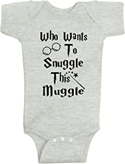 Reaxion Aiden's Corner - Handmade Who Wants to Snuggle This Muggle - Funny Baby Boy & Girl Clothes