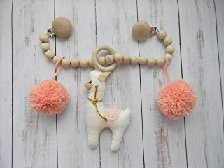Llama Pram garland Stroller toy chain stroller mobile Stuffed animal Pom pom mobile Boho nursery Hanging toys Baby shower gift Crib toy