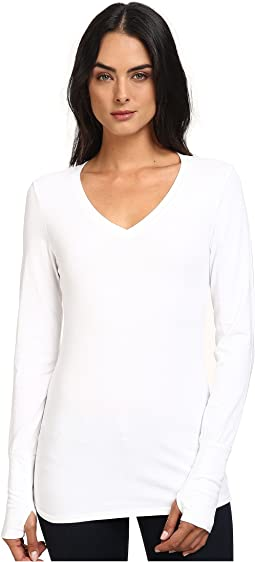 Michael Stars - Cotton Lycra Long Sleeve Vee Neck w/ Thumbholes