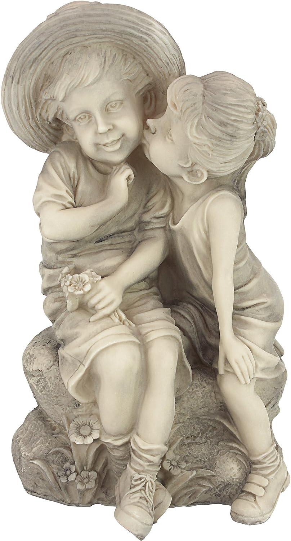 Sweet Kissing Garden Statues