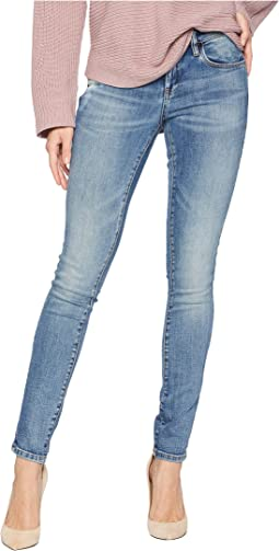 The Reade Classic Denim Skinny in Laguna Beach