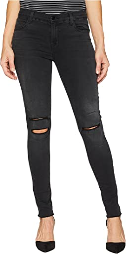 620 Mid-Rise Super Skinny Jeans in Nevermore Destruct