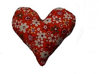 Corazón de tela de color rojo, con flores para decorar, regalar o tener un bonito detalle. Silvys handmade