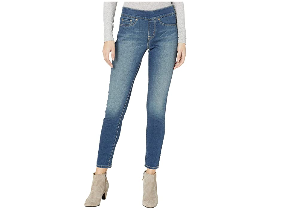 Signature by Levi Strauss & Co. Gold Label Totally Shaping Pull-On Skinny Jeans (Harmony) Women