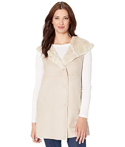 Dylan by True Grit Madison City Faux Sueded Shearling Vest with Hood (Chino/Natural) Women