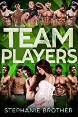 TEAM PLAYERS: A STANDALONE COLLEGE FOOTBALL REVERSE HAREM ROMANCE (HUGE Series) (English Edition) Format Kindle