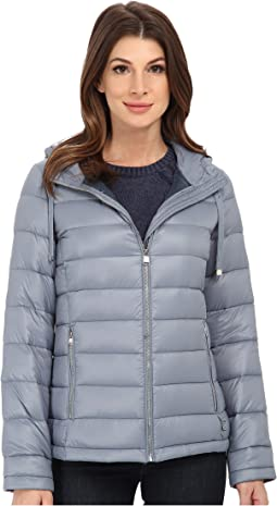 Short Packable Down Coat w/ Horizontal Quilt Pattern