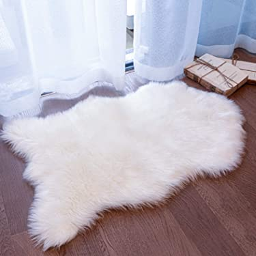 Coumore Ultra Soft Faux Sheepskin Fur Rug White Fluffy Area Rugs Chair Couch Cover Fuzzy Rug for Bedroom Bedside Floor Sofa Living Room, 2x3 Feet White
