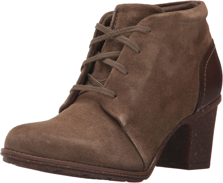 Clarks Women's Sashlin Sue Ankle Boots