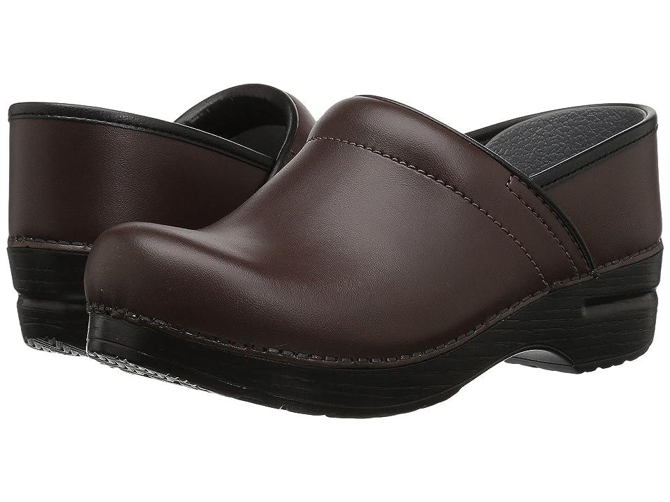 Dansko Professional Leather (Chocolate Leather) Women