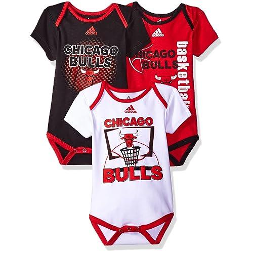 online retailer b5dee 14bc2 Chicago Bulls Baby Clothes: Amazon.com