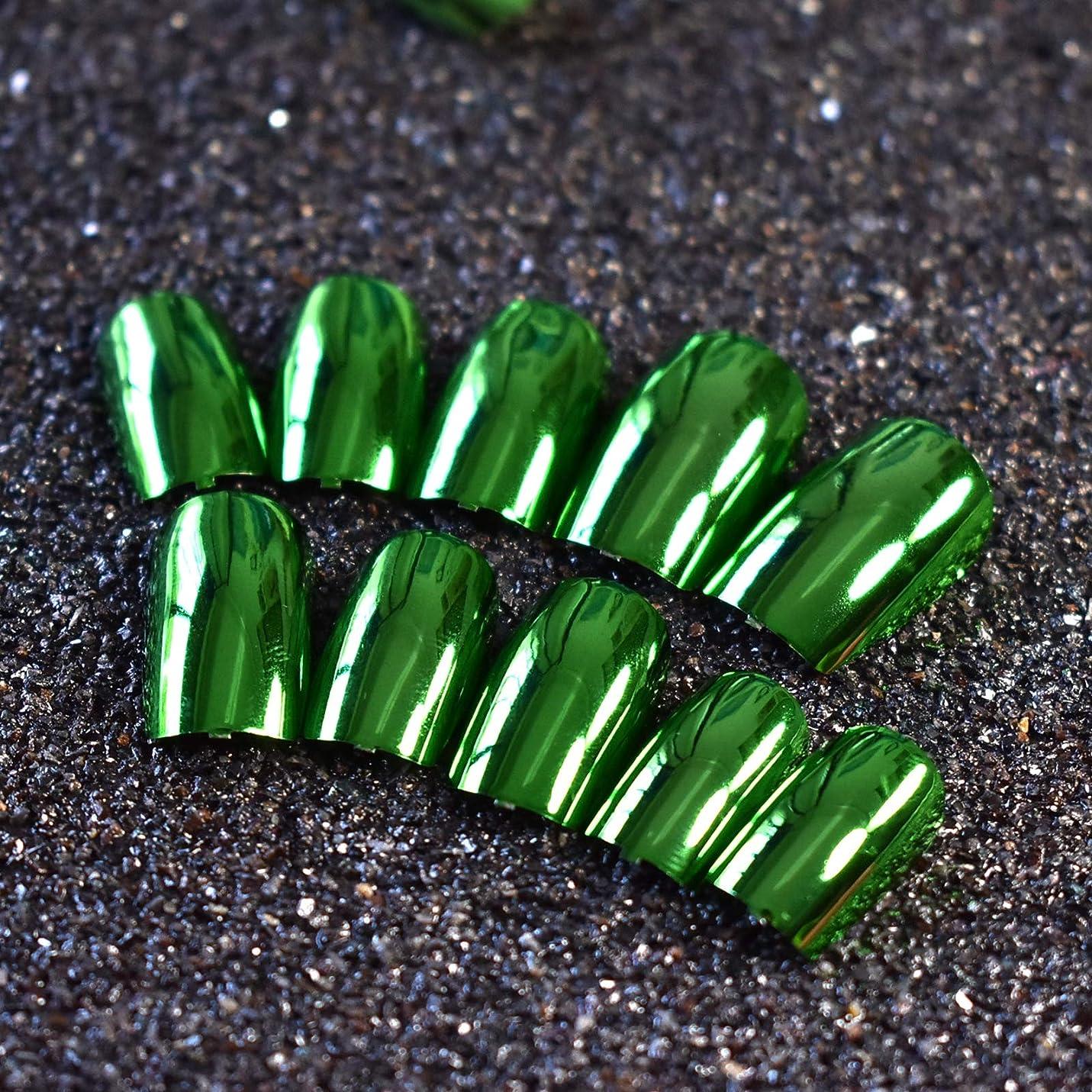 音楽選ぶのりXUTXZKA 24ピースメタリックグリーン偽ネイルフルカバーフェイクネイル人工装飾用のヒントマニキュアツール