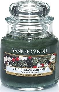 Yankee Candle 3.7oz Small Jar Candle, Christmas Wreath