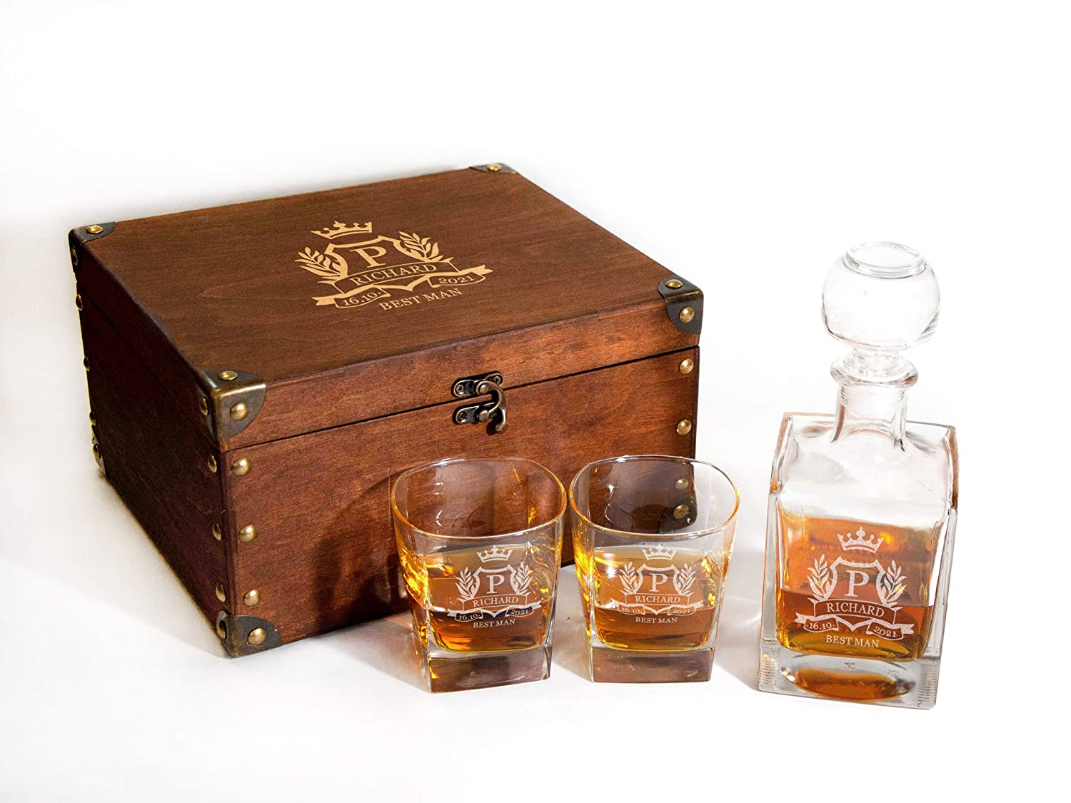 Personalized Whiskey Decanter ブランド品 Glasses Set with Whiske Box 新発売 Wood