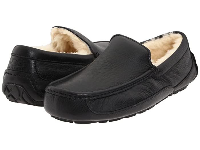 UGG  Ascot Leather (Black Leather) Mens Slippers