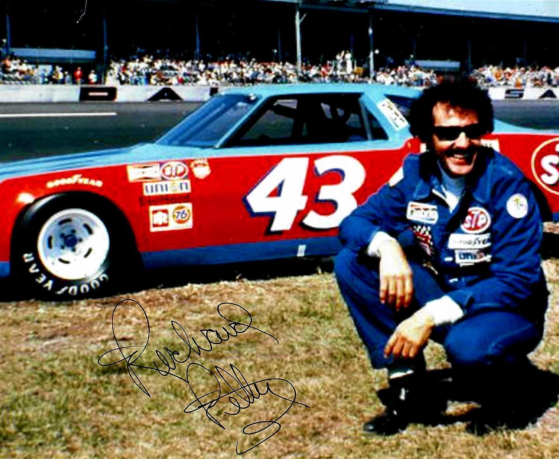 Richard Petty Bombing free 2021new shipping free shipping shipping NASCAR Photo 8x10 Signed