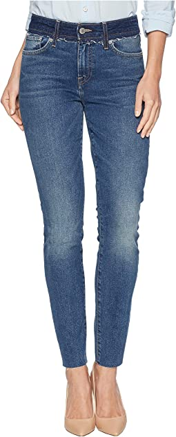 Ava Mid-Rise Skinny Jeans in Darke