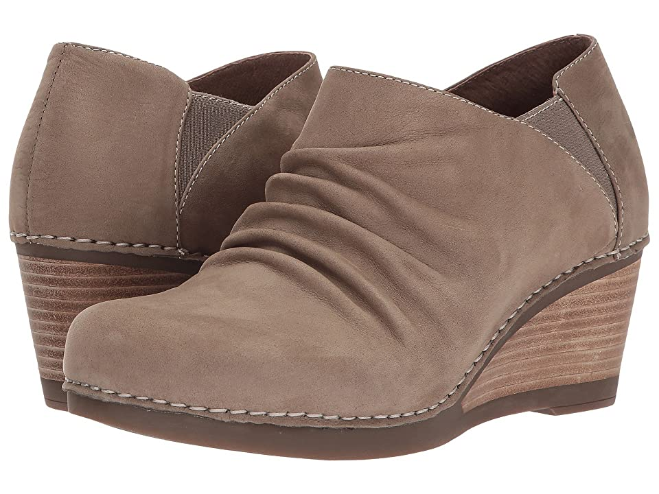 Dansko Sheena (Walnut Nubuck) Women