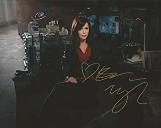 Eve Myles Autograph 8 x 10 photo Torchwood