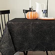مفرش طاولة من القماش المعدني بتصميم شبكة عنكبوت للهالوين من بنسون ميلز، سهل العناية، للعشاء والحفلات (أسود، 152.4 سم × 26...