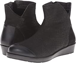 Black Crackle Leather/Shiny Black Leather