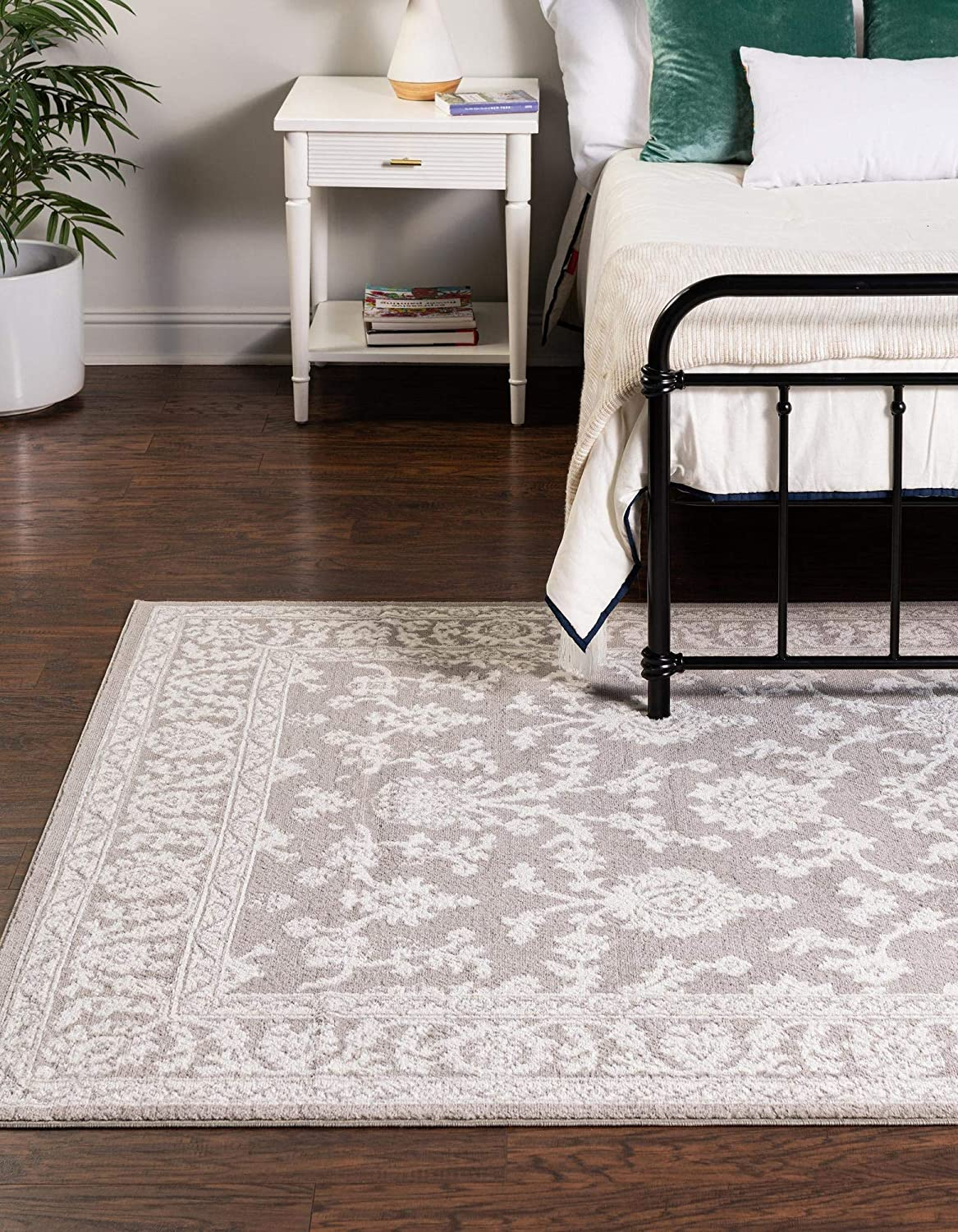 Reservation Rugs.com Charlotte Lowest price challenge Collection Rug – 4' x Low-Pile 6' Light Gray