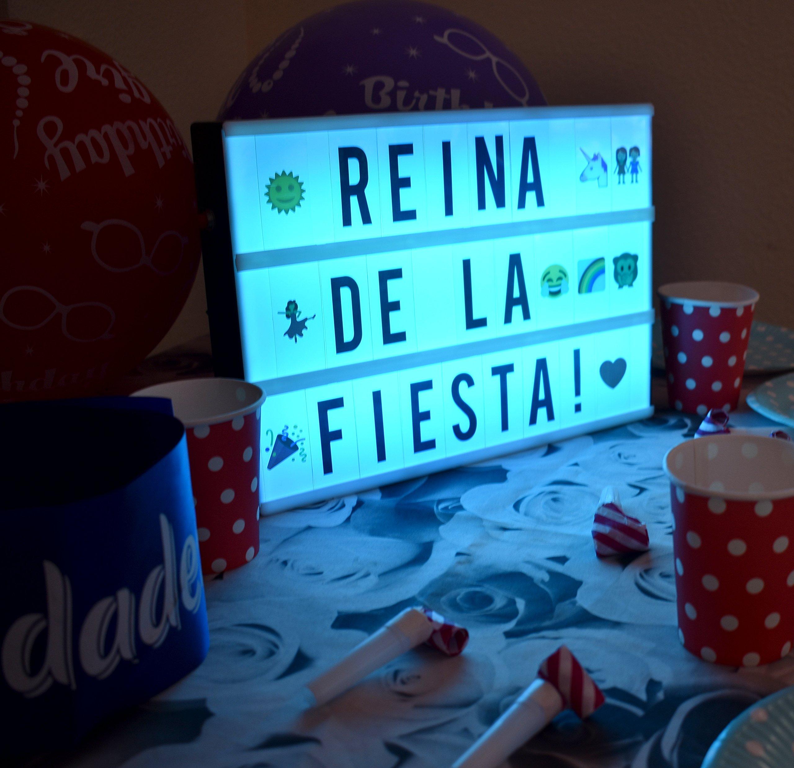 Objetos Hermosos. Caja de luz con letras (A4 LED Caja de Cine Lightbox Caja luminosa) 181 letras, numeros, y emojis (coloridos) y 1,5m USB, ideal para celebrar ocasiones especiales..(Multi-color): Amazon.es: Iluminación