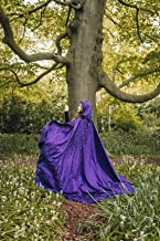 Capa élfica cosplay bruja mago damasco morado púrpuracon cola y capucha extra larga