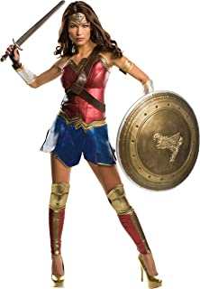 wonder woman outfits in batman vs superman