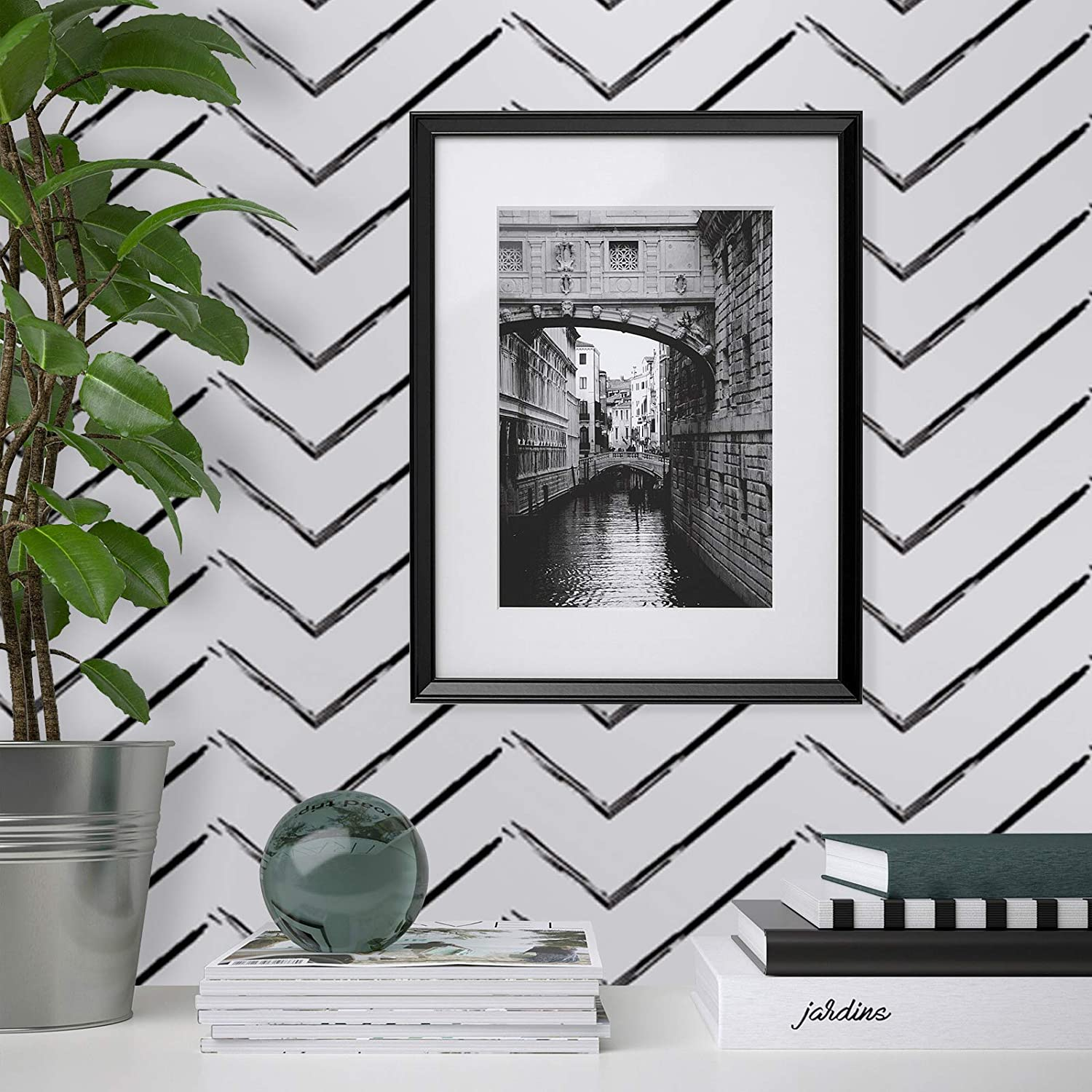 Sticky Back Plastic Roll Self Adhesive Wallpaper Modern White Paper Black Stripe 45cm /× 300cm Waterproof Matte Textured Peel and Stick Furniture Sticker for Bedroom Shelf Liner Table Wall DIY