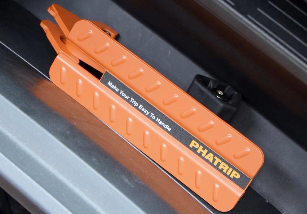 81ejigV1mdL PHATRIP Auto Türstufe Klappbare Autotür Pedal Klappleiter für Autos Unkompliziert aufs Dach Zu Kommen Universal Doorstep…