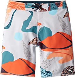 Sundays Pro Boardshorts (Big Kids)