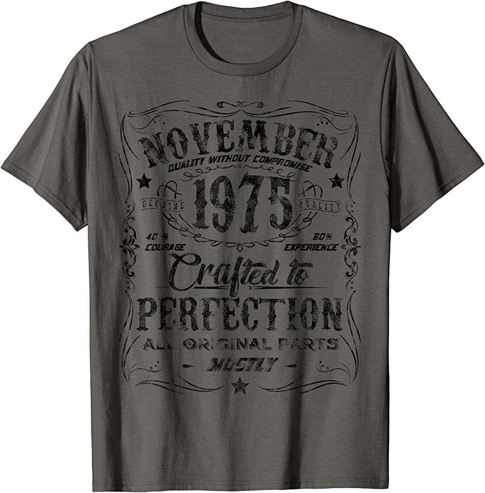 Classic 44th Birthday Gift Mens Womens Vintage November 1975 T-shirt