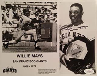 Signed Willie Mays Photo - 8x10#D11057 - JSA Certified - Autographed MLB Photos